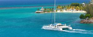Boat-in-ocean_crop-53104829